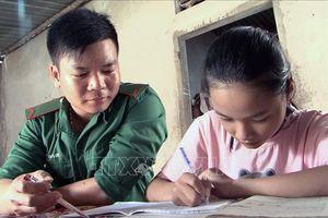 Bộ đội Biên phòng Phú Yên nâng bước những ước mơ tới trường