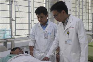 Bác sĩ phụ mổ hiến máu cứu bệnh nhân nguy kịch