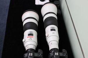 Trên tay cặp ống kính siêu tele giá khởi điểm 280 triệu đồng của Canon
