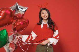 Hoa hậu Hoàn vũ nhí Ngọc Lan Vy 'lột xác' thành 'thiếu nữ' xinh đẹp trong bộ ảnh mừng Giáng sinh