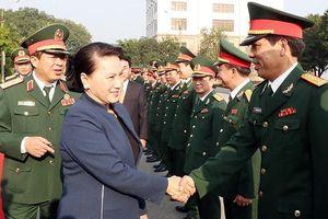 Chủ tịch QH Nguyễn Thị Kim Ngân dự chương trình tưởng niệm 60 liệt sĩ TNXP Ðại đội 915