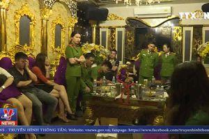 Bắt quả tang 13 đối tượng đang sử dụng ma túy trong quán karaoke tại Hà Tĩnh