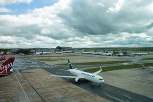 Cảnh sát Anh bắt giữ 2 đối tượng sau sự cố tại sân bay Gatwick