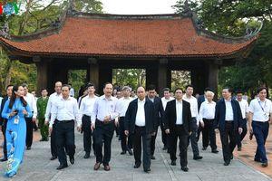 Thủ tướng thăm một số di tích và đơn vị kinh tế tại Thanh Hóa