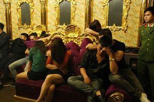 Vụ cán bộ tổ chức 'tiệc' ma túy: Đình chỉ chức vụ phó giám đốc ngân hàng