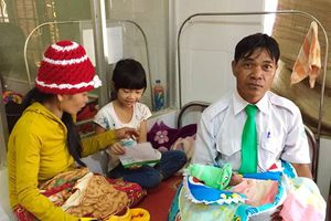 Em bé thứ 100 được sinh ra trên taxi Mai Linh