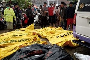 Sóng thần Indonesia: Cuốn phăng ban nhạc đang diễn, 168 người chết