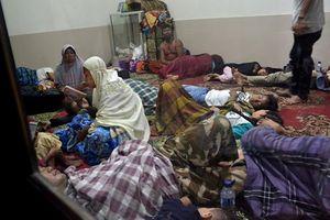Sóng thần kinh hoàng tấn công Indonesia: Số thương vong tăng lên hơn 600 người