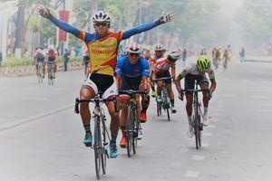 Tay đua Sarda Javier Perez đoạt áo vàng chung giải xe đạp Nam Kỳ Khởi Nghĩa 2018