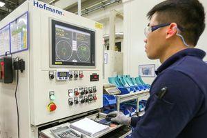 Bên trong nhà máy thông minh sản xuất tuabin gió lớn nhất Việt Nam