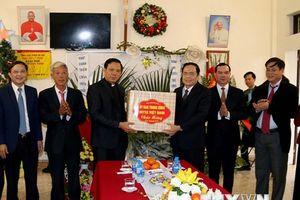 Chủ tịch MTTQ Việt Nam chúc mừng nhân dịp Giáng sinh tại Hà Nam
