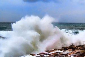 Ban nhạc đang biểu diễn bị sóng thần 'nuốt chửng' kinh hoàng