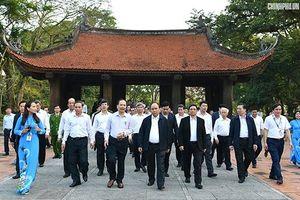 Thủ tướng Chính phủ thăm một số cơ sở ở Thanh Hóa