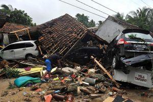 Lặng người trước những hình ảnh tang thương sau sóng thần ở Indonesia