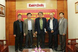 Chủ tịch Hội Nhà báo tỉnh Chiang Mai thăm tòa soạn báo Kinh tế & Đô thị
