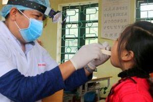 Khám răng miễn phí cho trẻ em miền núi: Lớn lên con muốn làm bác sĩ