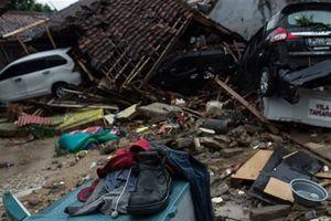 Bãi biển Anyer hoang tàn sau thảm họa sóng thần