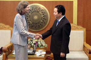 Bộ trưởng Trần Hồng Hà tiếp Đại sứ Đặc mệnh Toàn quyền Đại sứ quán Canada tại Việt Nam