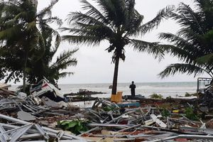 Bộ ảnh đau thương về vụ sóng thần ở Indonesia