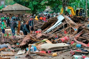 Sóng thần ở Indonesia: Con số người thương vong tiếp tục tăng