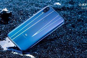 Xiaomi Mi Play ra mắt - dáng giống Oppo F9, giá từ 160 USD