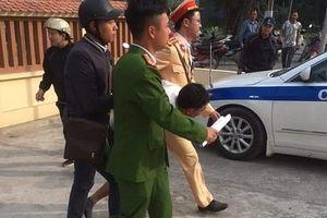 CSGT Hà Nội tóm gọn tên cướp có vũ khí