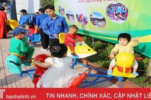 Tỉnh đoàn Hà Tĩnh hỗ trợ lắp đặt 10 khu vui chơi trẻ em