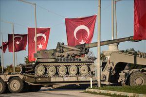 Quốc tế nổi bật: Mỹ vừa ký lệnh rút quân, thiết giáp Thổ Nhĩ Kỳ đã ùn ùn tiến sát Syria