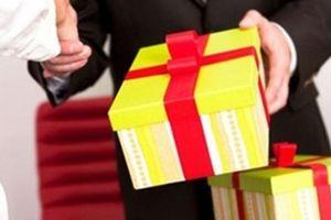 Cảnh báo chiêu lừa tặng quà và chụp ảnh để 'móc túi' cựu chiến binh