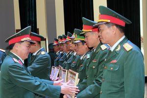 Học viện Lục quân bế giảng khóa đào đạo, hoàn chỉnh cao cấp lý luận chính trị