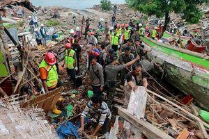 Xót xa khoảnh khắc phải chọn cứu mẹ hay vợ trong thảm họa sóng thần Indonesia