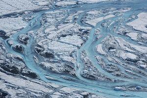 Băng trên đảo Greenland tan chảy giữa mùa đông lạnh giá