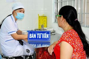 Mẹ nhiễm HIV vẫn có thể sinh con khỏe mạnh