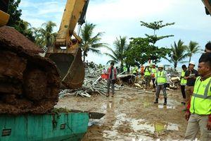 Hàng trăm ngôi nhà lại chìm trong nước lũ sau sóng thần Indonesia