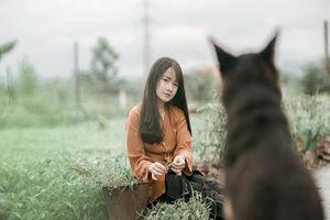 Nữ sinh 16 tuổi tài năng hóa cô thôn nữ xinh đẹp