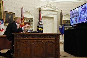 Tổng thống Trump lên tiếng chê bai đảng Dân chủ trước mặt giới quân đội