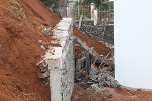 Sập tường, một công nhân bị đất đá vùi lấp dẫn đến tử vong