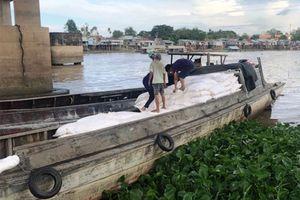 An Giang: Cảnh sát kinh tế phá đường dây buôn lậu, thu giữ gần 100 tấn hàng