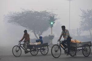 New Delhi ô nhiễm không khí: Người dân đóng cửa đón Giáng sinh, sân bay ngừng hoạt động