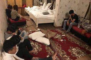 18 'nam thanh nữ tú' thuê phòng khách sạn để dùng ma túy tập thể