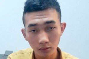Thanh niên vung dao chém chết 'người lạ' khi chở người yêu mình
