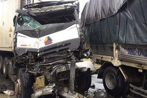 3 ô tô tông liên hoàn trên quốc lộ, 3 người thương vong