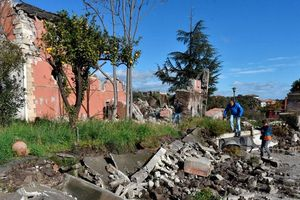 28 người bị thương, 600 người phải sơ tán sau động đất ở Italia