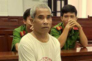 Hiếp dâm bé gái 4 tuổi, 'yêu râu xanh' nhận án 16 năm tù