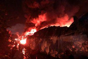 Cần Thơ: Nguyên nhân khiến khó dập lửa vụ cháy dữ dội tại khu công nghiệp Trà Nóc