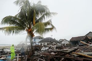 Indonesia: Mưa lớn kéo dài có thể kéo theo sóng thần