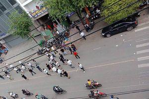 TP HCM: Điều tra nguyên nhân gần 50 thanh niên ăn mặc lịch sự đuổi chém nhau giữa phố