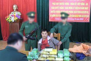 Người đàn ông Lào mang 50.000 viên ma túy vào Việt Nam tiêu thụ
