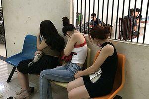 Triệt phá đường dây mại dâm đi khách 10 triệu đồng/ngày ở TP.HCM