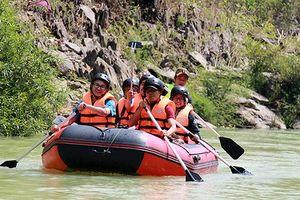 Một ngày leo núi, vượt thác Dray Nur